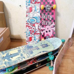 Скейтборд деревянный COSMO 3108A mix design
