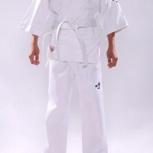 Кимоно для занятий карате Киокушинкай (KYOKUSHINKAI) с вышивкой черного цвета — белый